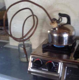 Stove top Tea Pot still